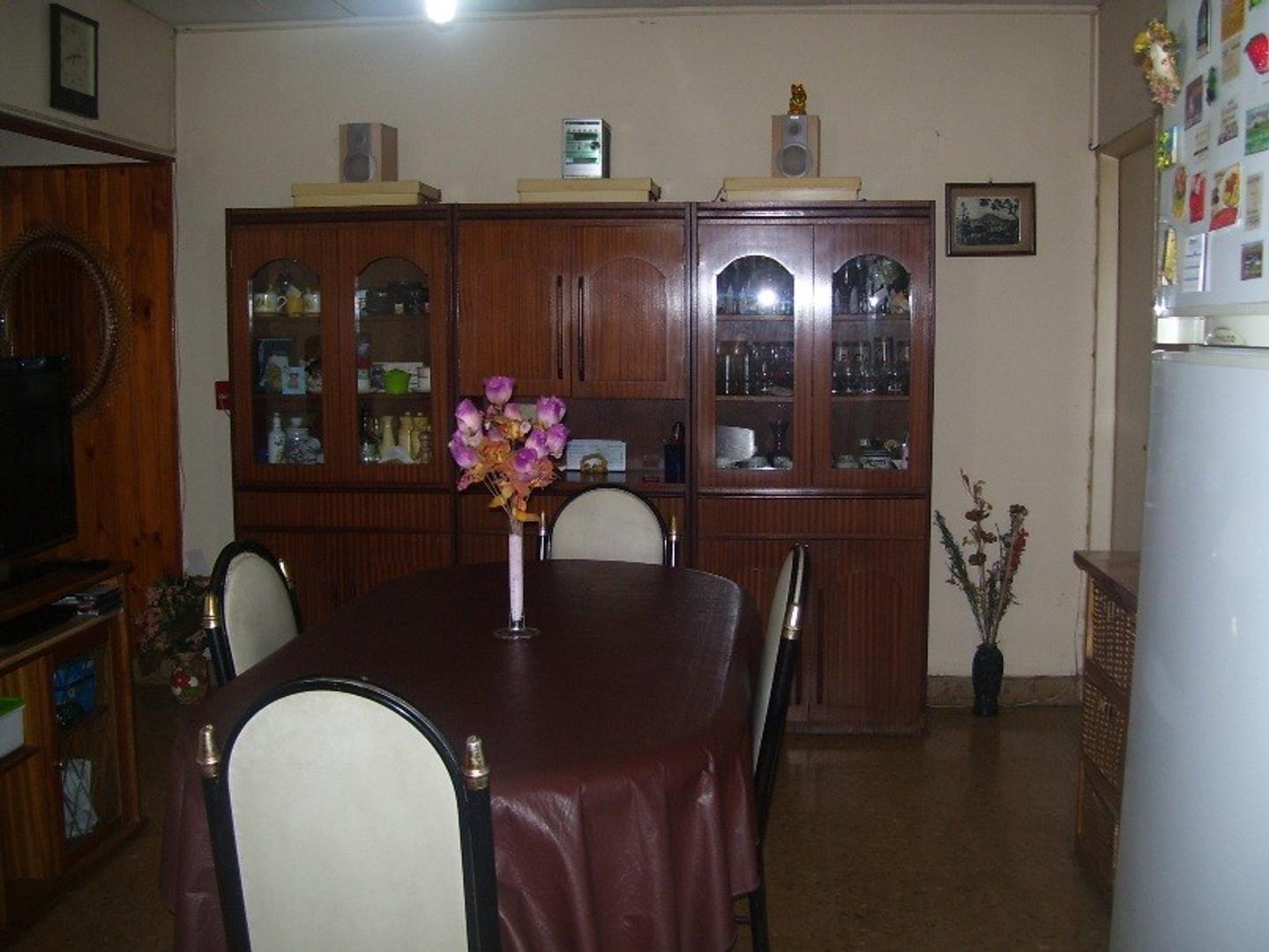 Casa en venta, Multifamiliar, 2 viviendas en lote 10x40mts.