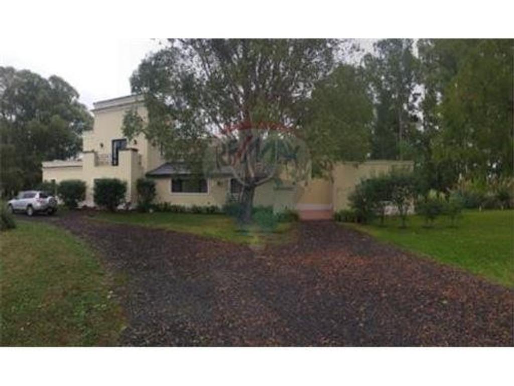 Quebradas Villa Rural Baradero - Casa de 565m2