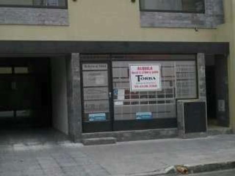 LOCAL  MUNRO A MTS AV. V SARFIELD Y 2 CUADRAS DE LA ESTACION PLENO CENTRO COMERCIAL ESCUCHO OFERTAS!