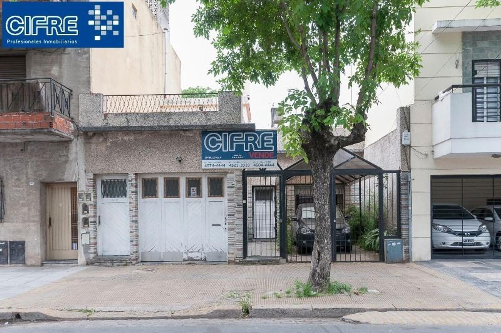 Terreno en Venta 2 Casas en lote propio. 8,66x30,40 FOT 1.2 (Suc. Mosconi 4574-4444)