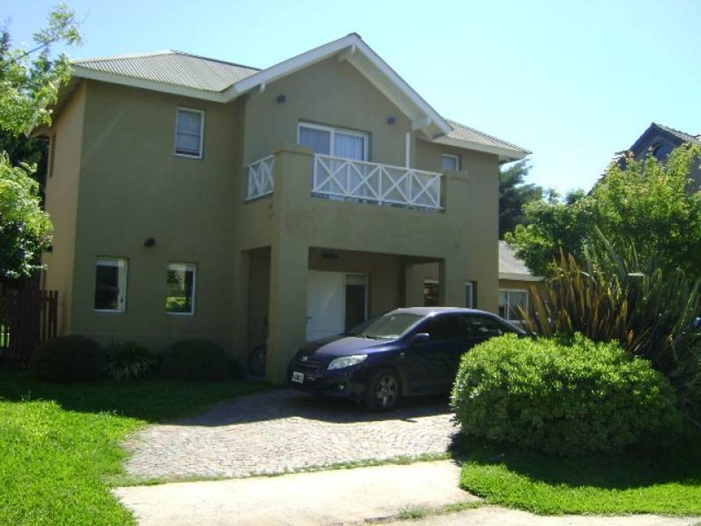 Casa en venta en el barrio La  Barra Village. Maschwitz.