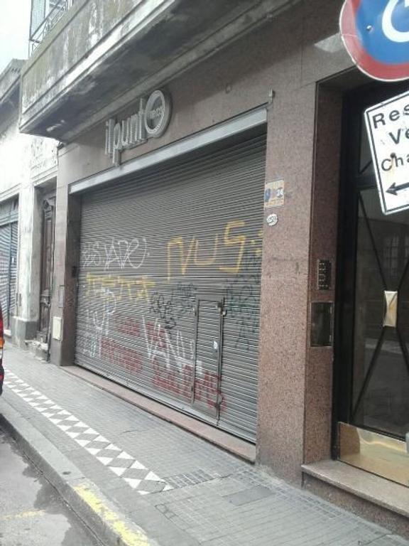 EXCELENTE LOCAL EN VENTA ZONA MONTSERRAT  urgente!!!!!
