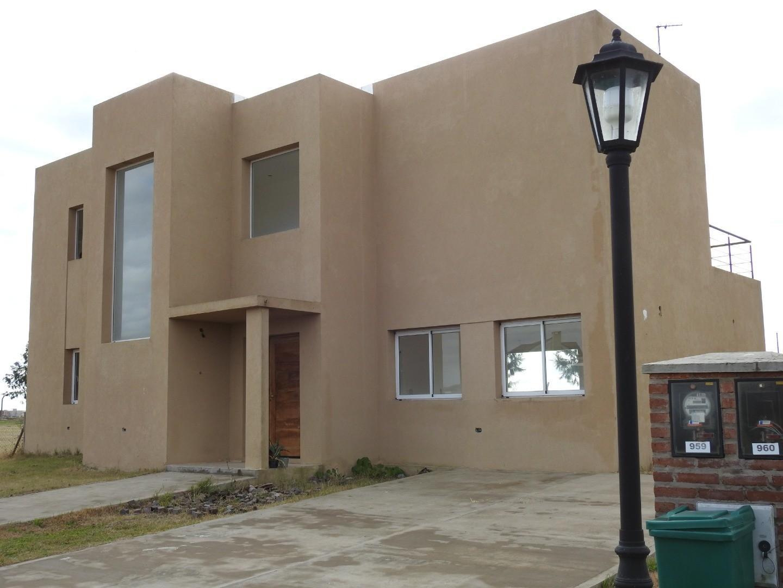 Hermosa Casa, 180 m² en Dos Plantas a Estrenar. Barrio San Matias Escobar Area 5