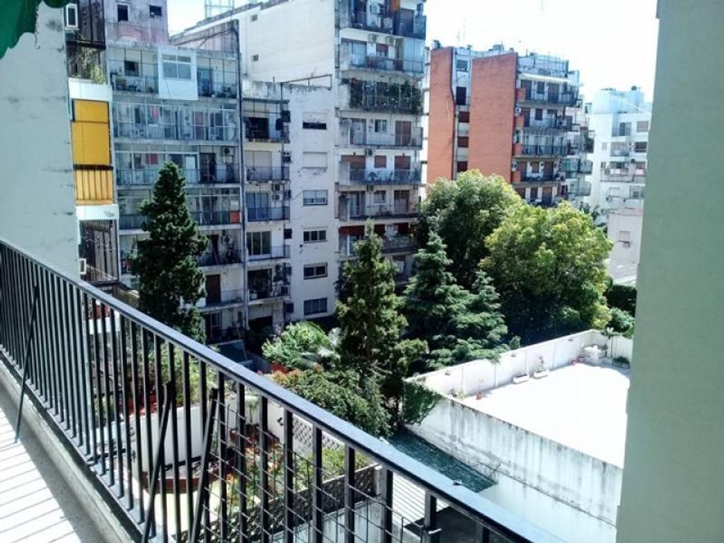 Excelente depto. de 3 ambientes Cfte, Balcón Corrido APTO CREDITO
