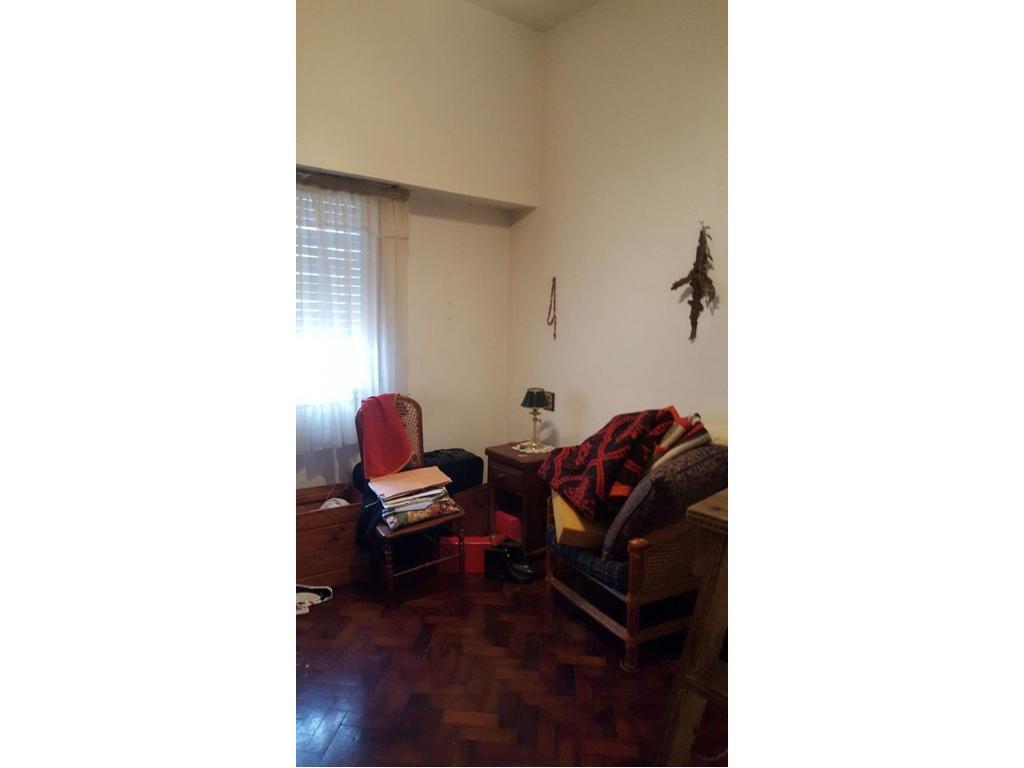 EN SUCESIÓN Tipo casa 2 amb, 1er piso, cocina comedor, luminoso, lavadero indep, 50 mts2