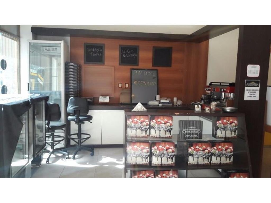 Panificadora  y cafetería: Costumbres Nuestras en excelente ubicación.