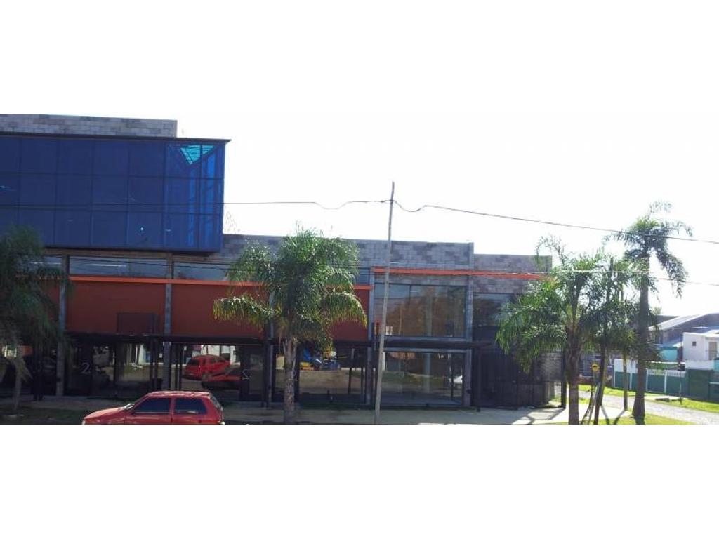 Gran local en Esquina Impecable - cercano a los barrios de Villanueva y Nordelta y de la estación d