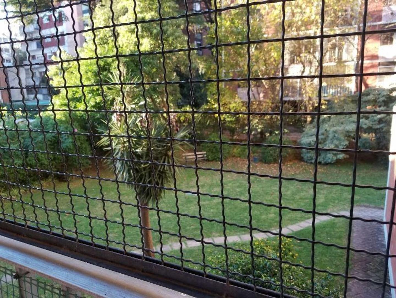 APTO PROFESIONAL - Primer piso- superluminoso-  contrafrente -  vista a jardines.