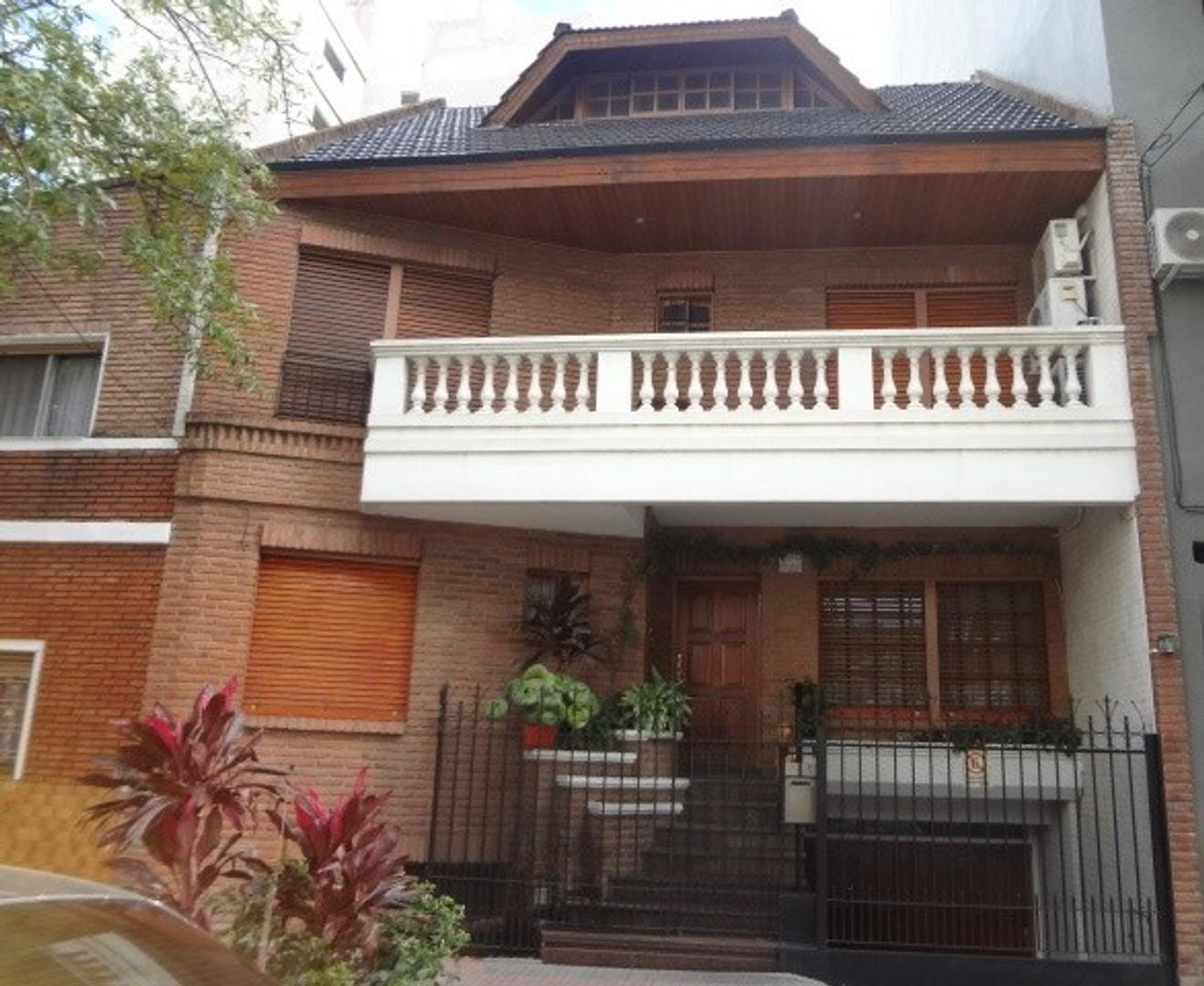 Casa en Venta en Villa del Parque - 4 ambientes