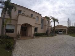 Impecable Casa en Barrio Los Castores - Dueño Directo