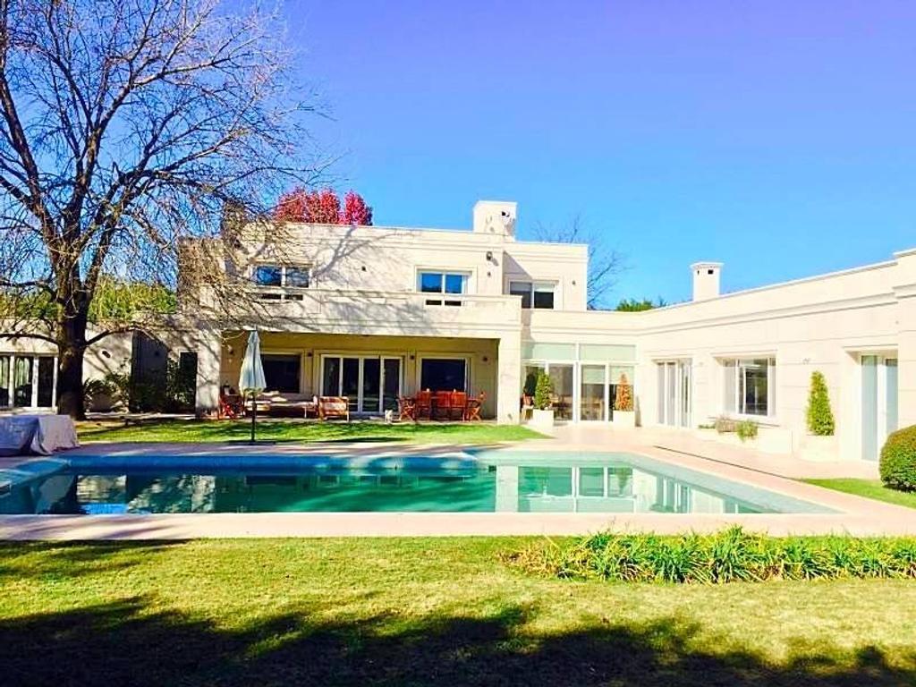 Hermosa Casa en venta San Diego ,