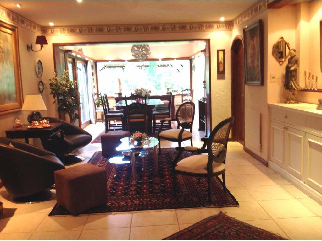 Exclusiva Residencia Casa Quinta vacacional en Punta Ballena- Club del Lago -inmejorable ubicación