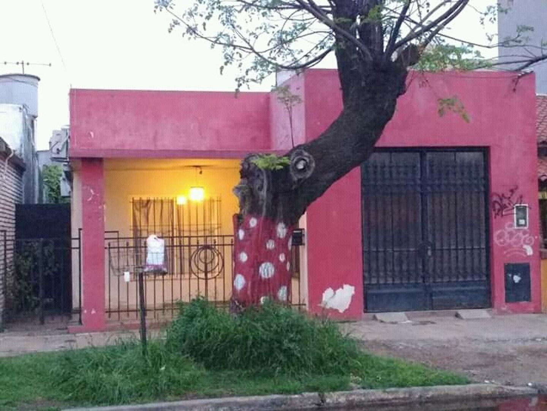 Casa en Venta en San Antonio De Padua - 6 ambientes
