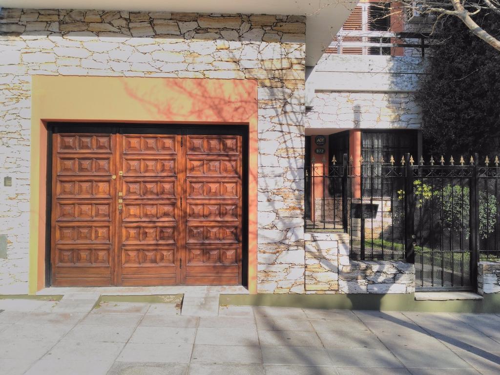 Hermosa Casa Lote Propio - Parque Chacabuco, Capital Federal.