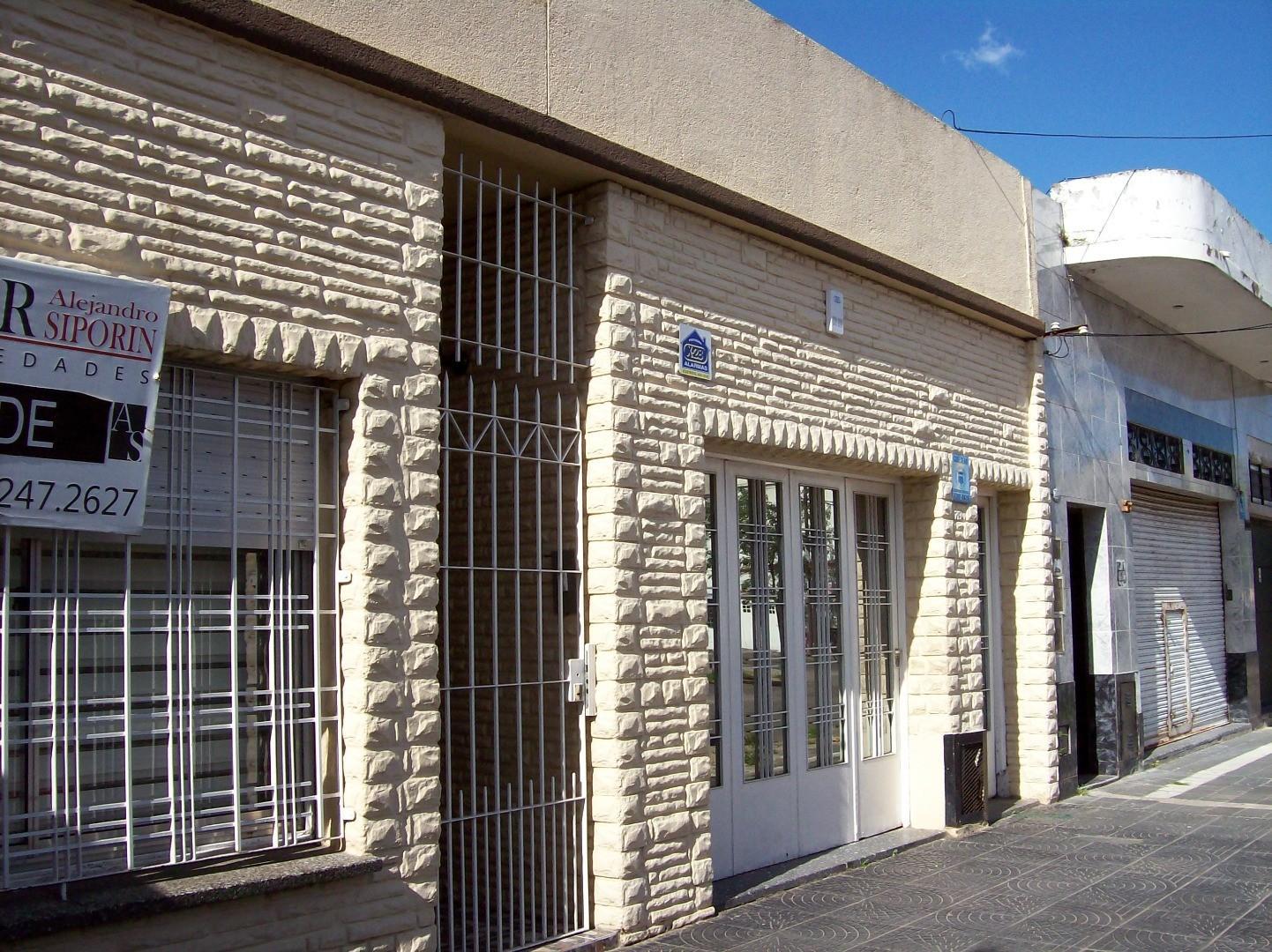 Casa en Alquiler en Lanus Oeste - 4 ambientes