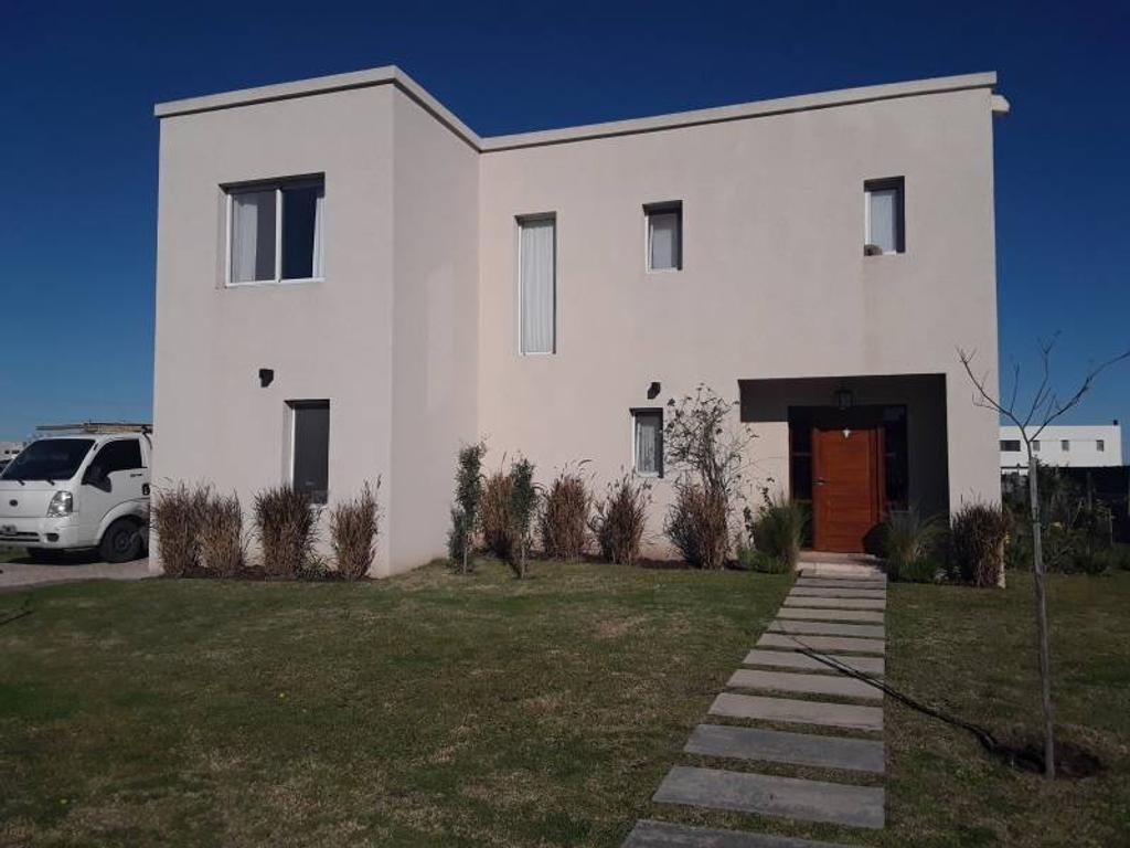 Hermosa Casa San Gabriel en exclusividad