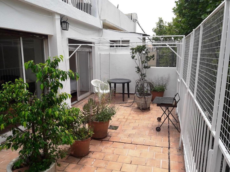 3 ambiente con amplio balcon terraza en excelente ubicacion cerca Av Corrientes y Subte B