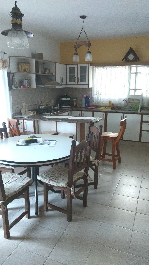 Casa en venta - zona Las Glorias - calle Saavedra