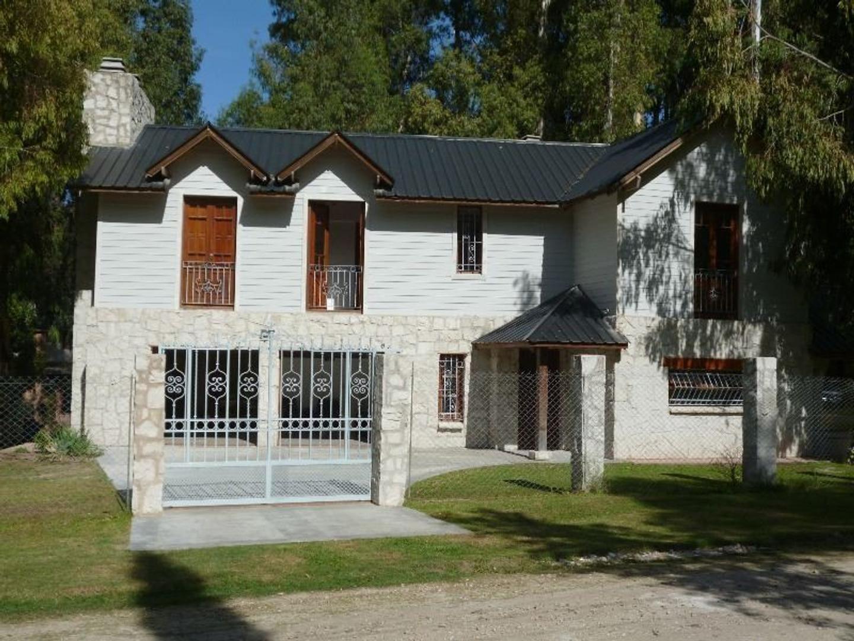 Casa en Venta en Barrio Bosque Peralta Ramos - 4 ambientes