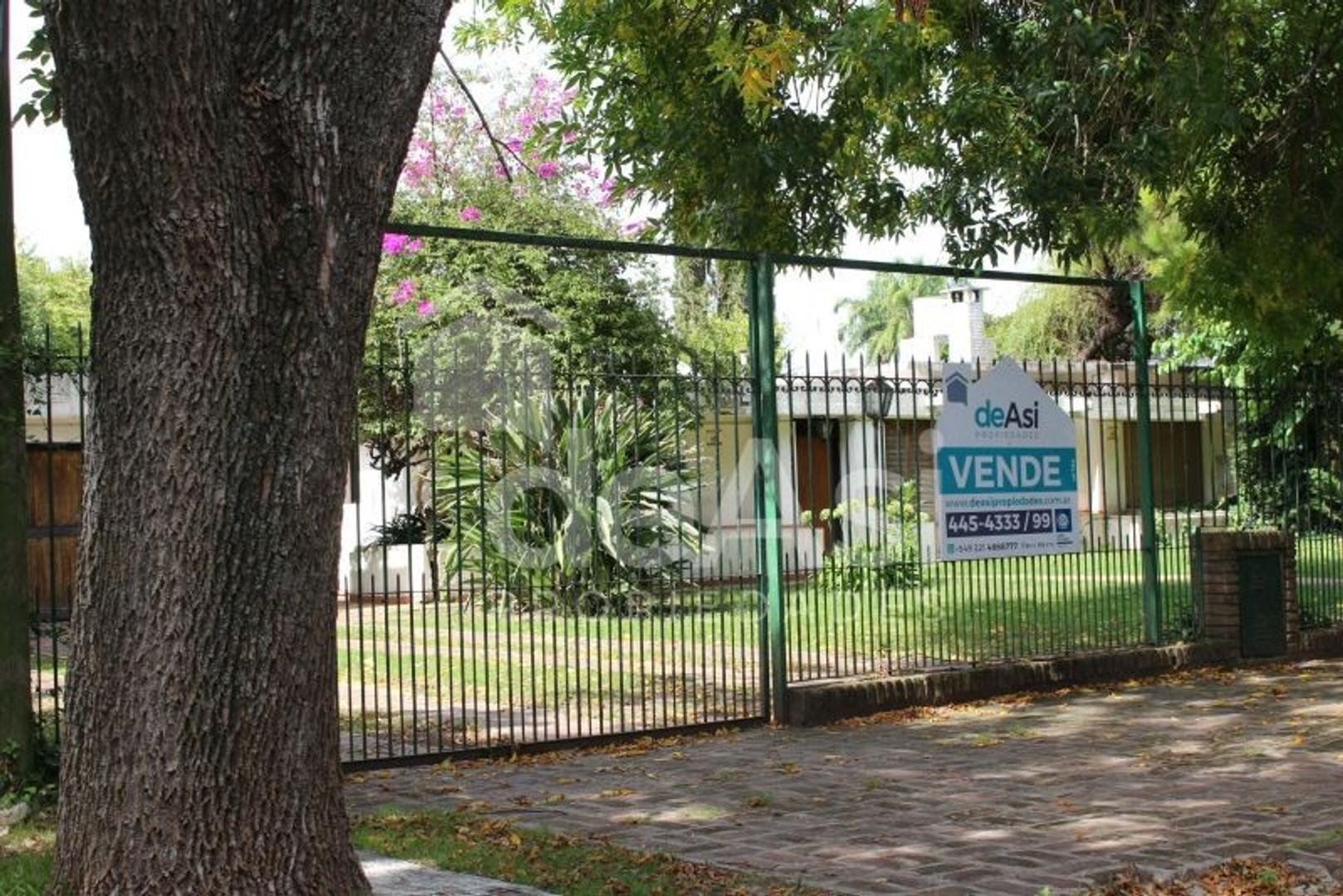 Casa en Venta en City Bell - 4 ambientes