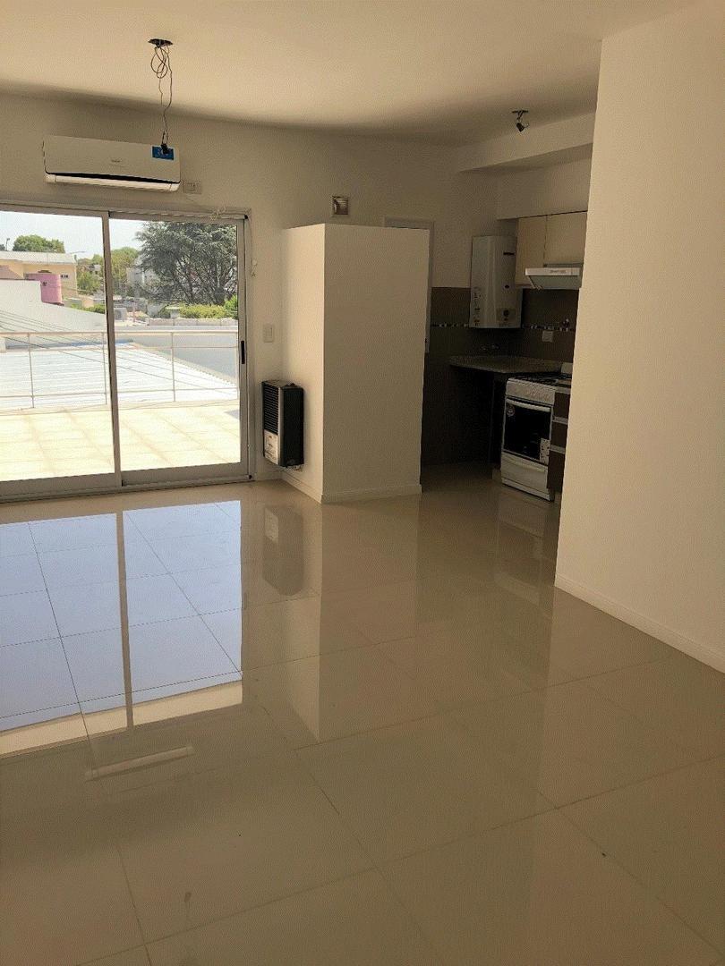 Departamento 2 Ambientes + Terraza + Patio
