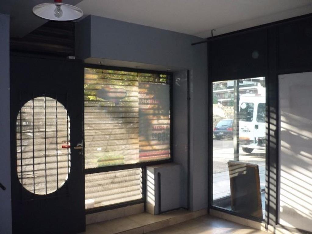 Vila y Acoyte al 100  Caballito dos plantas 70 m2