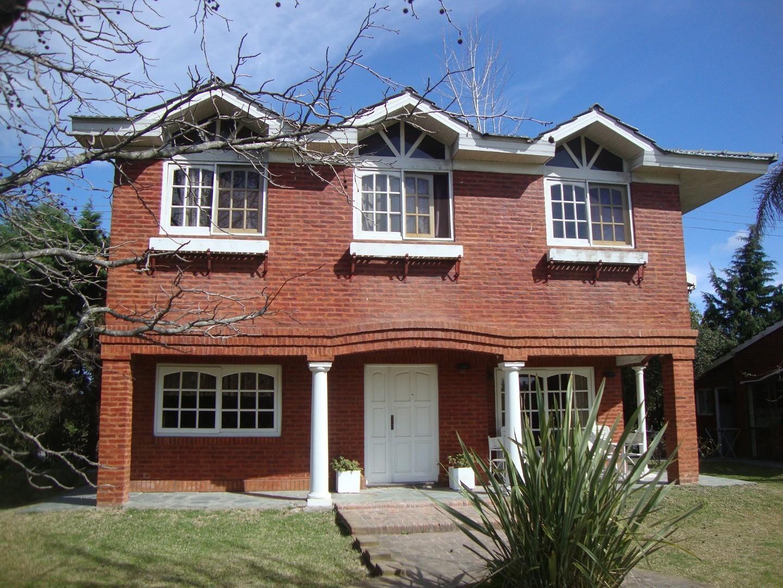 Canning - Club de Campo Los Rosales - Hermosa Casa sobre lote de 1500 metros. 240 edificados.