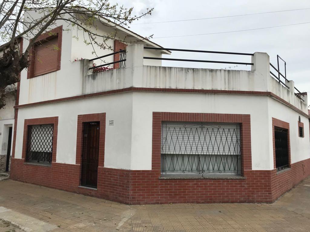 CASA CON 2 DORMITORIOS GARAGE  Y TERRAZA 145 m2 CUBIERTOS POSIBILIDAD DE 3ER.DORMITORIO