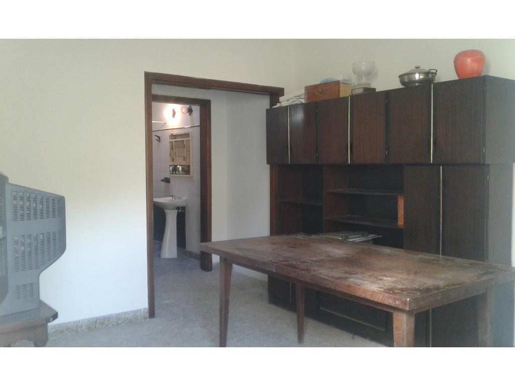 Casa PH interno, PB, en Av. Mitre / 2 amb. Muy Amplio y restaurado / MUN y AYSA INCLUIDOS y SIN EXP