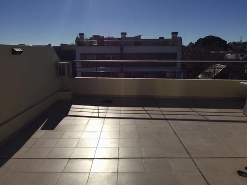 Inmejorable Duplex de 3 ambientes- SAAVEDRA