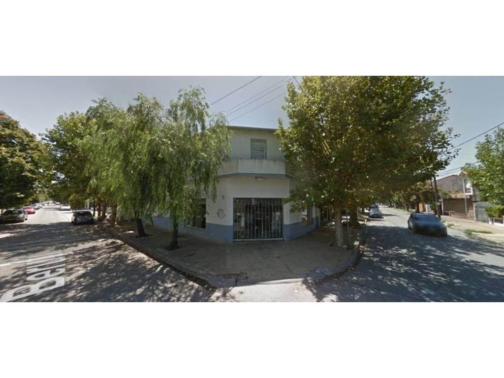 Local con vivienda en Venta, ubicado en Altos de Martínez.