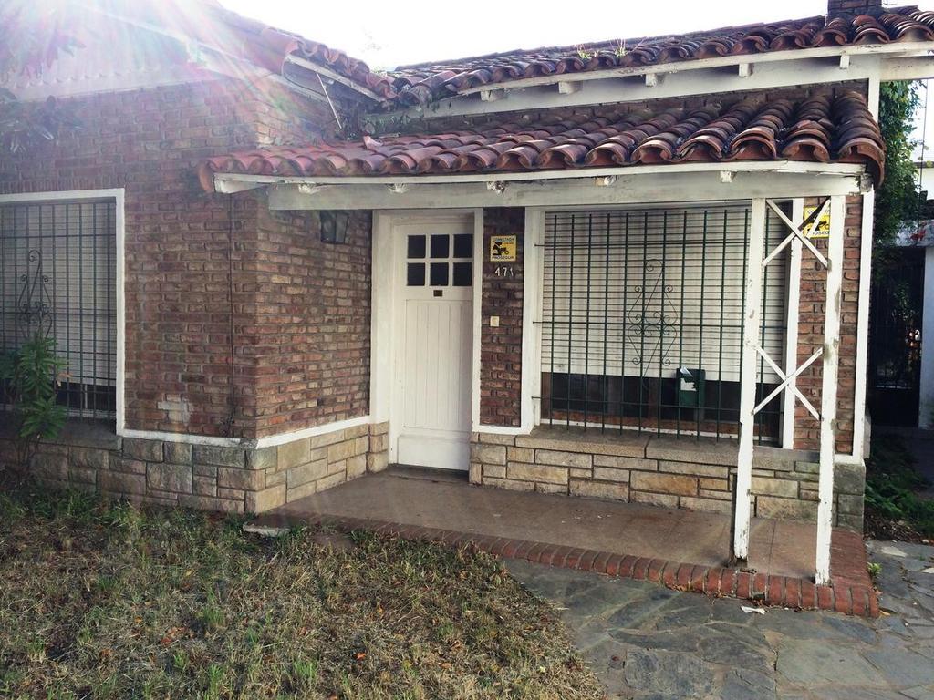 Casa. ideal multifamiliar. Lote 10x40