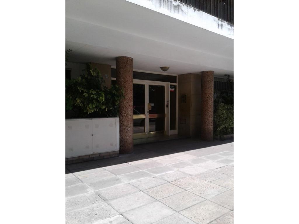 VILLA DEL PARQUE - DPTO 3 AMB - FTE/BALCON TERRAZA/DEP. SERV/COCHERA/IMPECABLE