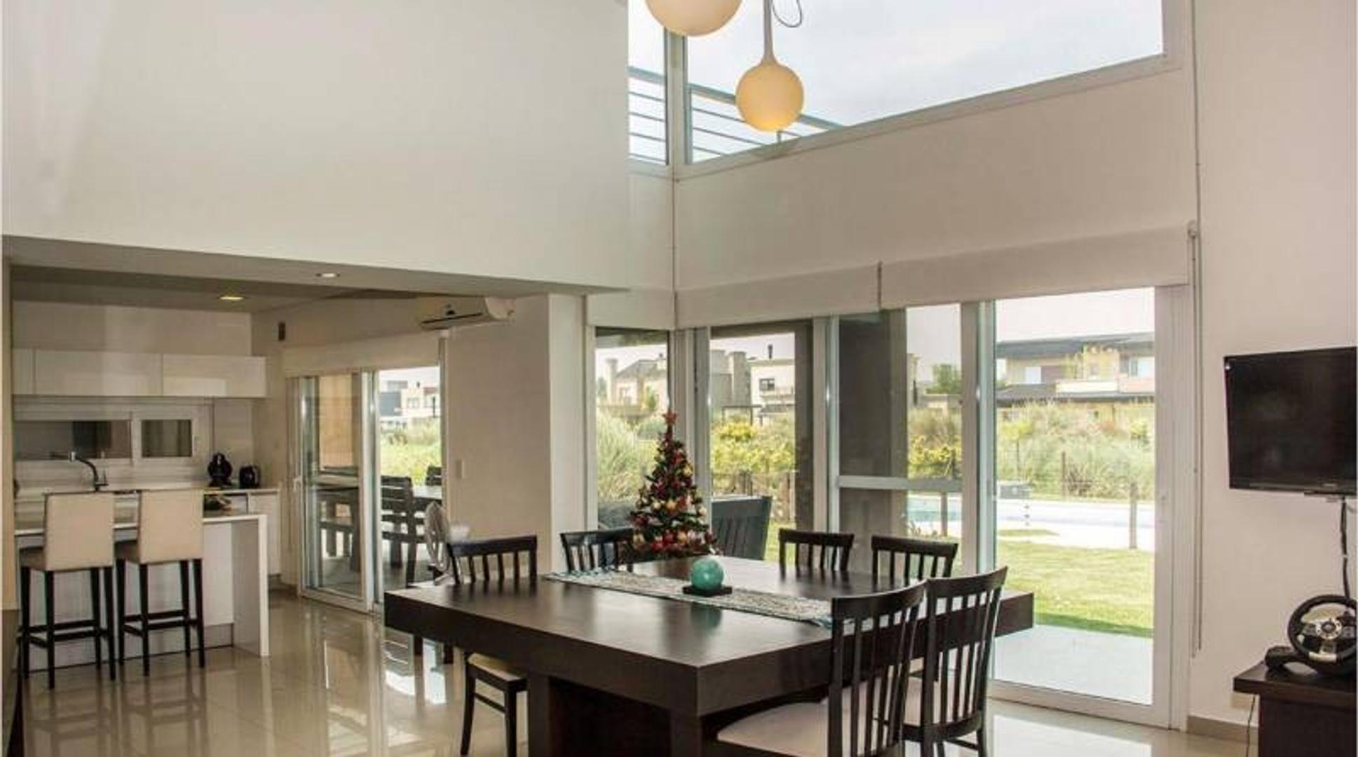 Excelente y moderna casa en Terrravista