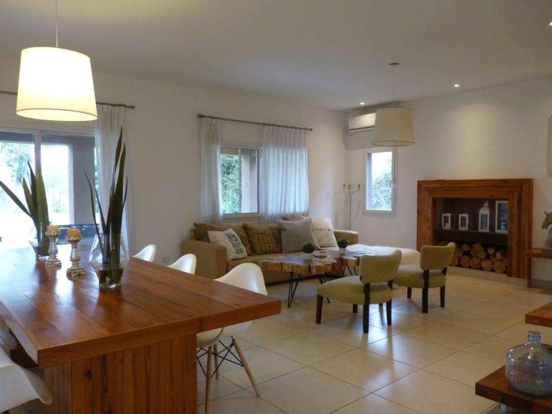 Casa en Venta en Los Pilares - 4 ambientes
