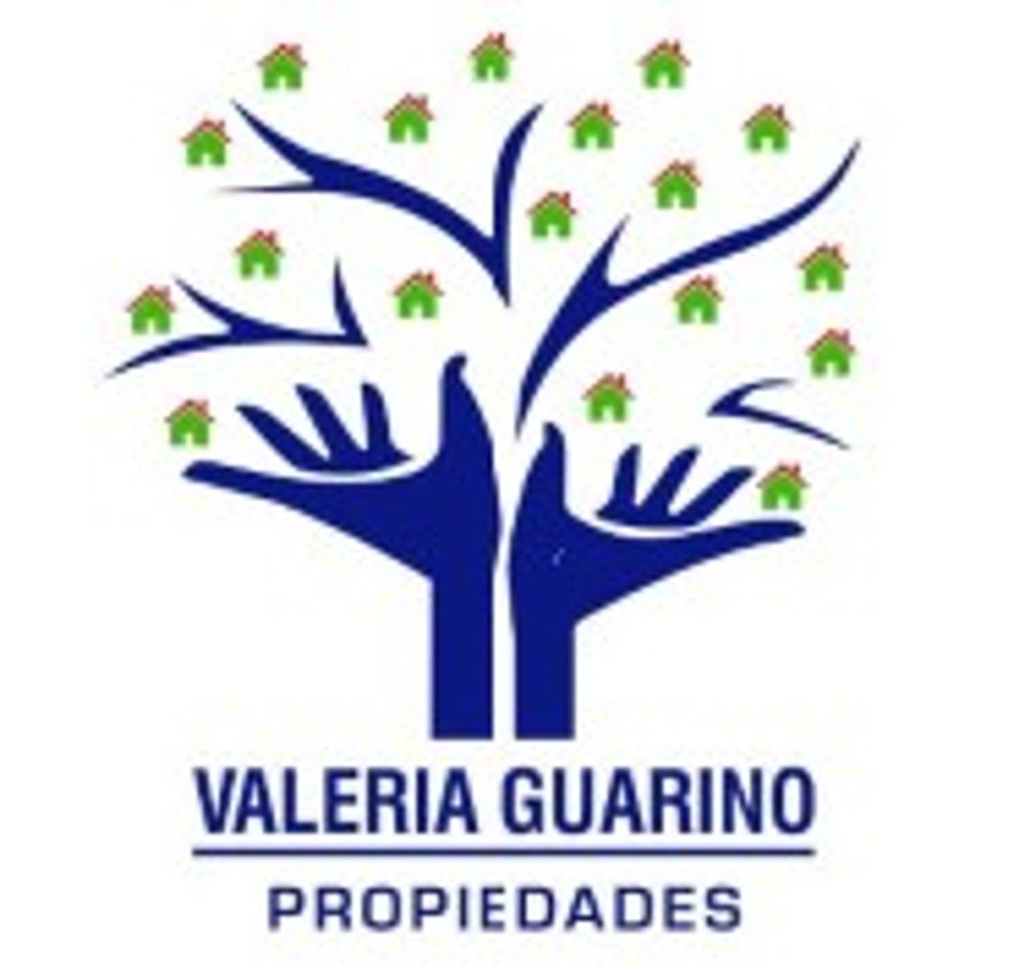 VALERIA GUARINO VENDE DEPARTAMENTO TIPO CASA DE 3 AMB CON PATIO Y TERRAZA AL FRENTE.