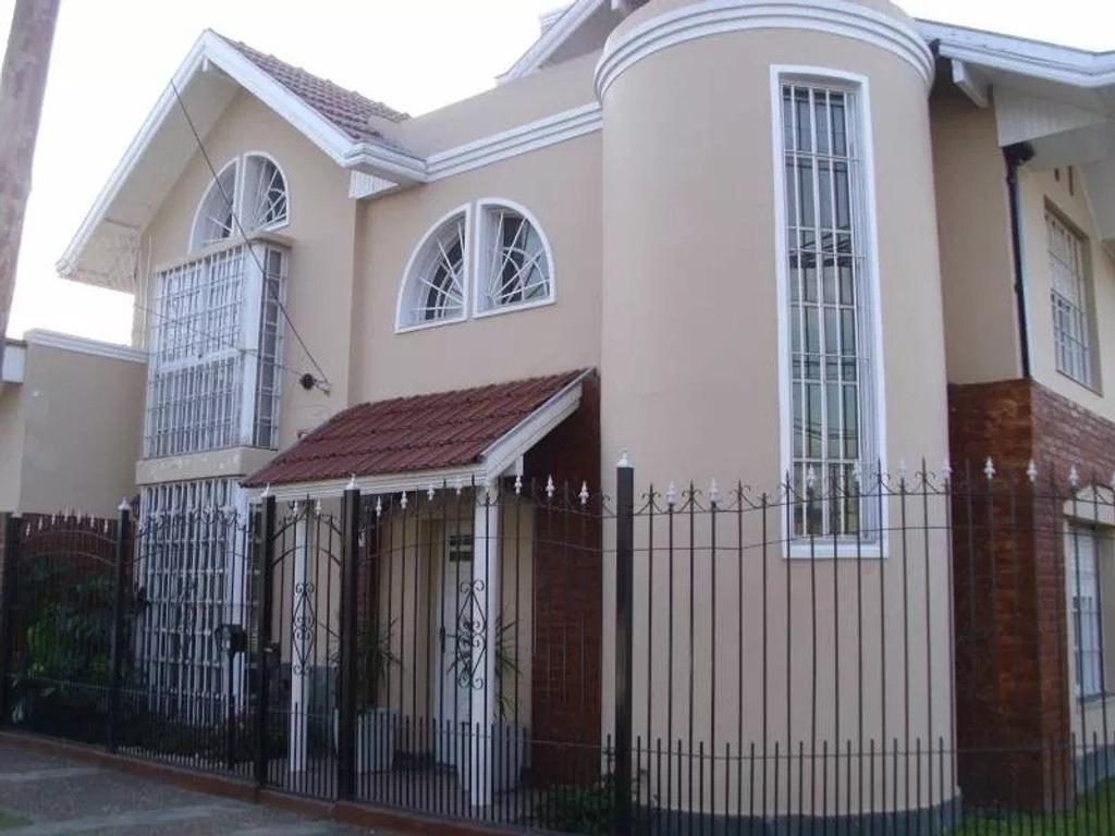 Casa en Quintano 1301, Lanus Oeste.-