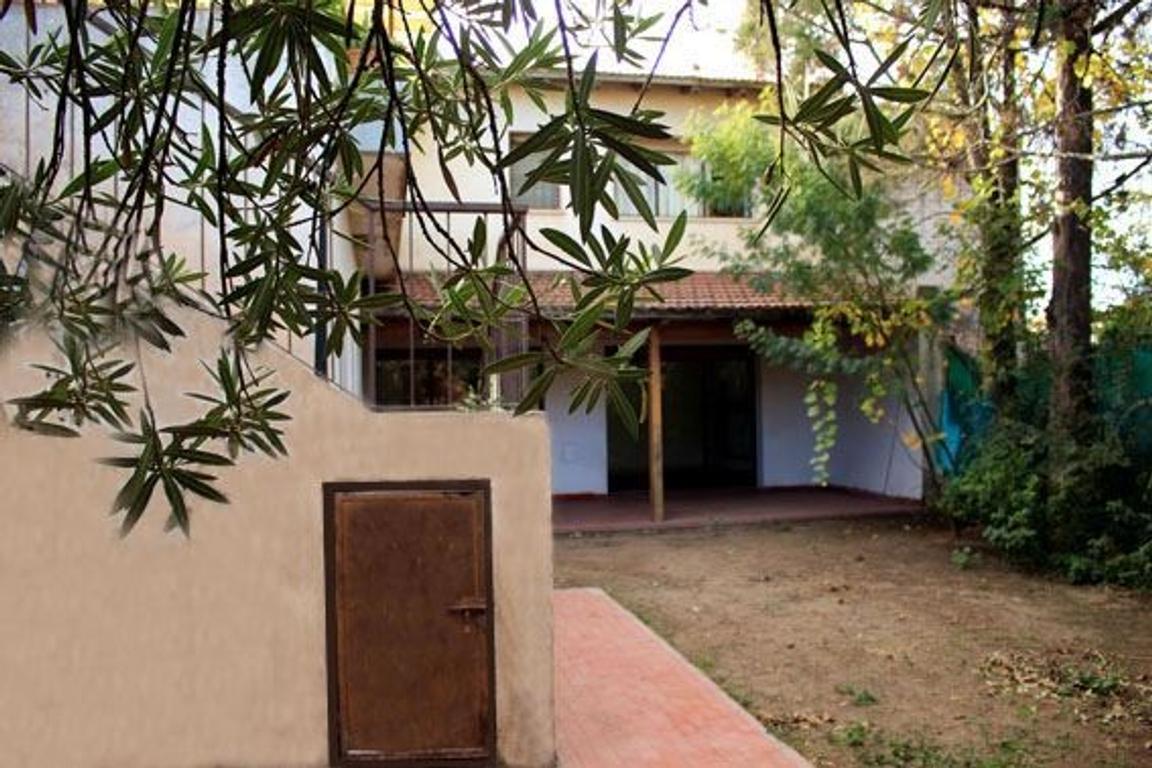 EXCELENTE PROPIEDAD ( PH tipo CHALET) en PA c/terraza,garage cubierto  TODO LUZ y SOL / A/CREDITO