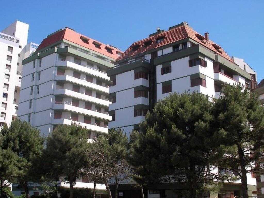 Pinamar - Venta - Departamento Centrico con balcon