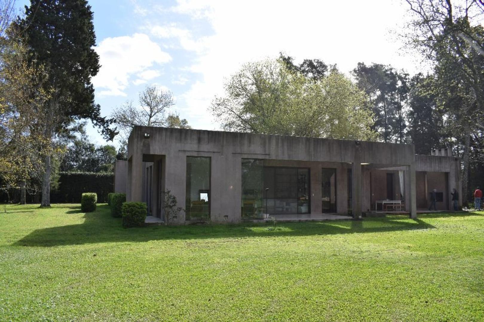 Propiedad de 37.000mts2 | Zona de Quintas | Importante Casa principal | Casa de caseros | Galpon