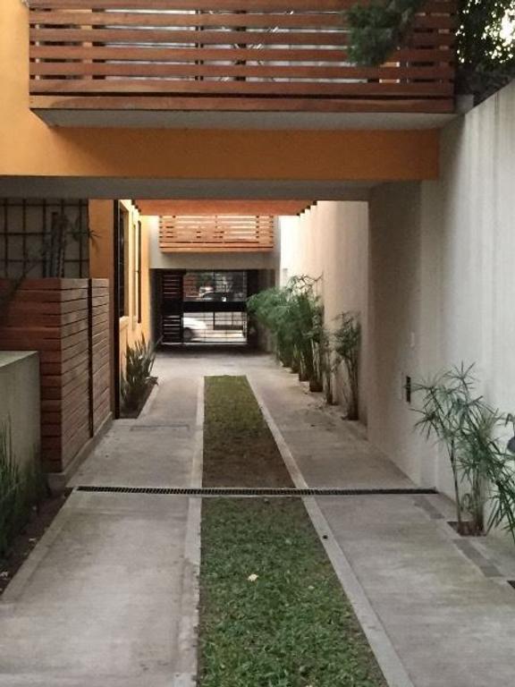 DUEÑO DIRECTO Vendo/alquilo duplex 1er piso vista a jardín interno