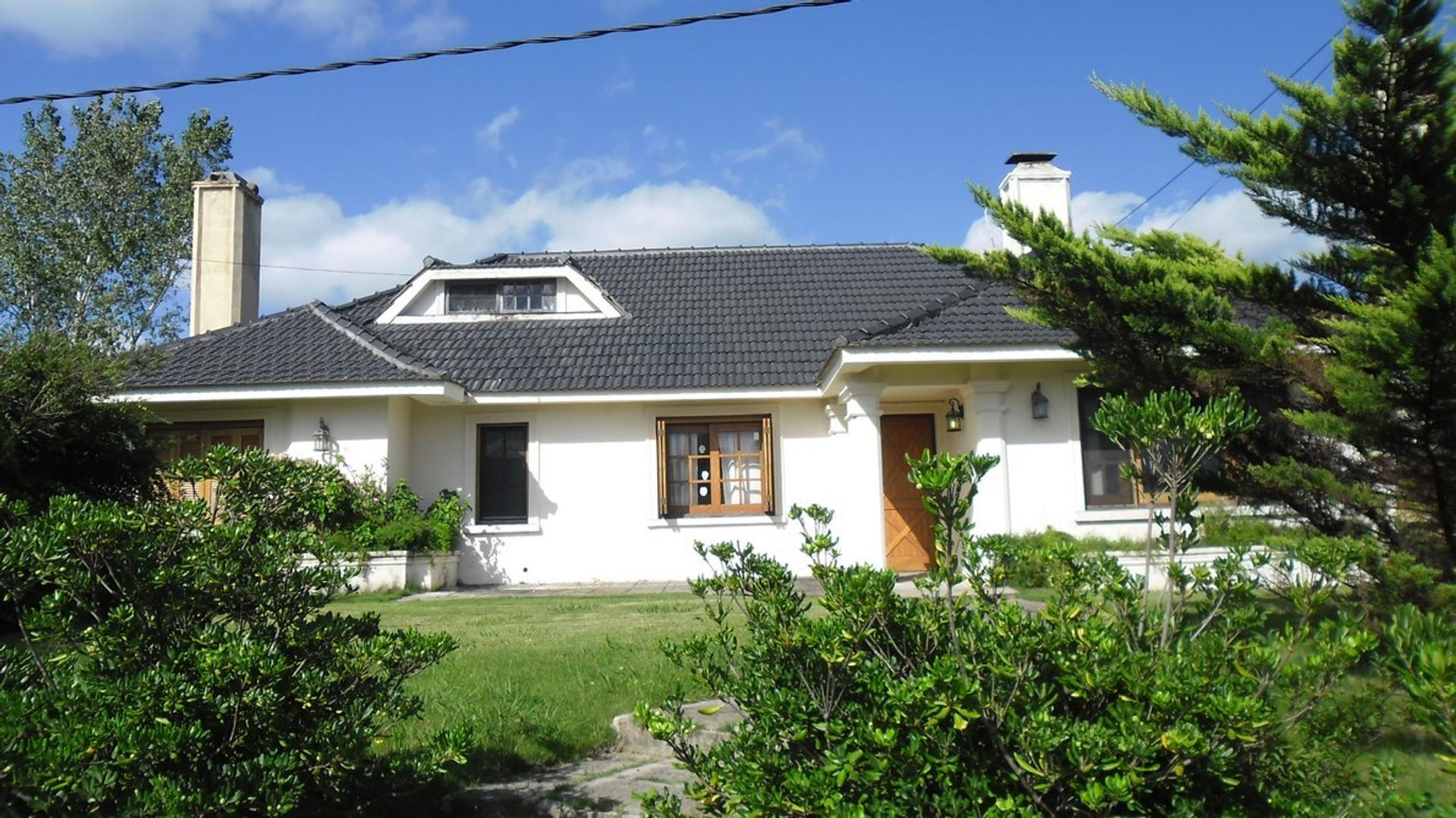 Casa en Venta en Pinares - 5 ambientes