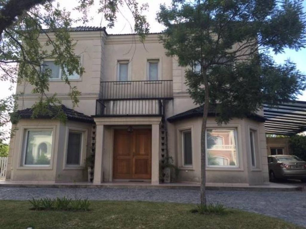 Hermosa casa en barrio Septiembre