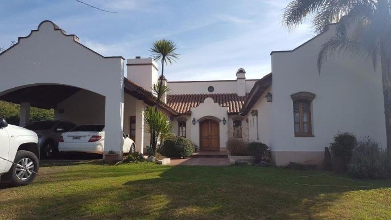 LOMAS DE LA CAROLINA , casa en venta