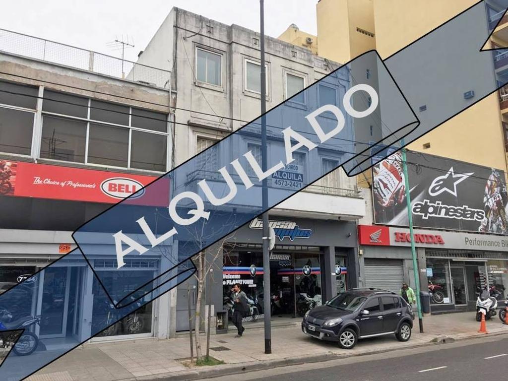 | ALQUILADO | EXCELENTE LOCAL EN PRIMER PISO PARA OFICINAS - 300m2