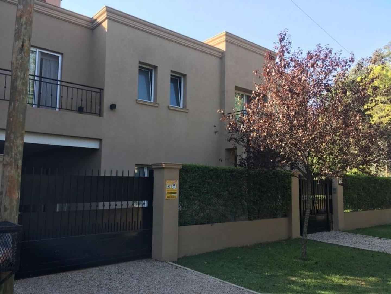 Casa en Venta en Barrio Parque Leloir - 5 ambientes
