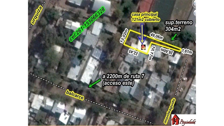 Casa 304/135m2 adyacente carril Urquiza y Elpidio González,