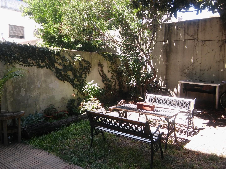 VENDIDO-VENDIDO-VENDIDO.- EXCELENTE PH 2 amb 40m2 con Vista a Hermoso Jardín! Bajas exp-