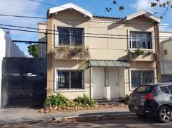 Maravilloso Duplex con cochera y patio con jardín