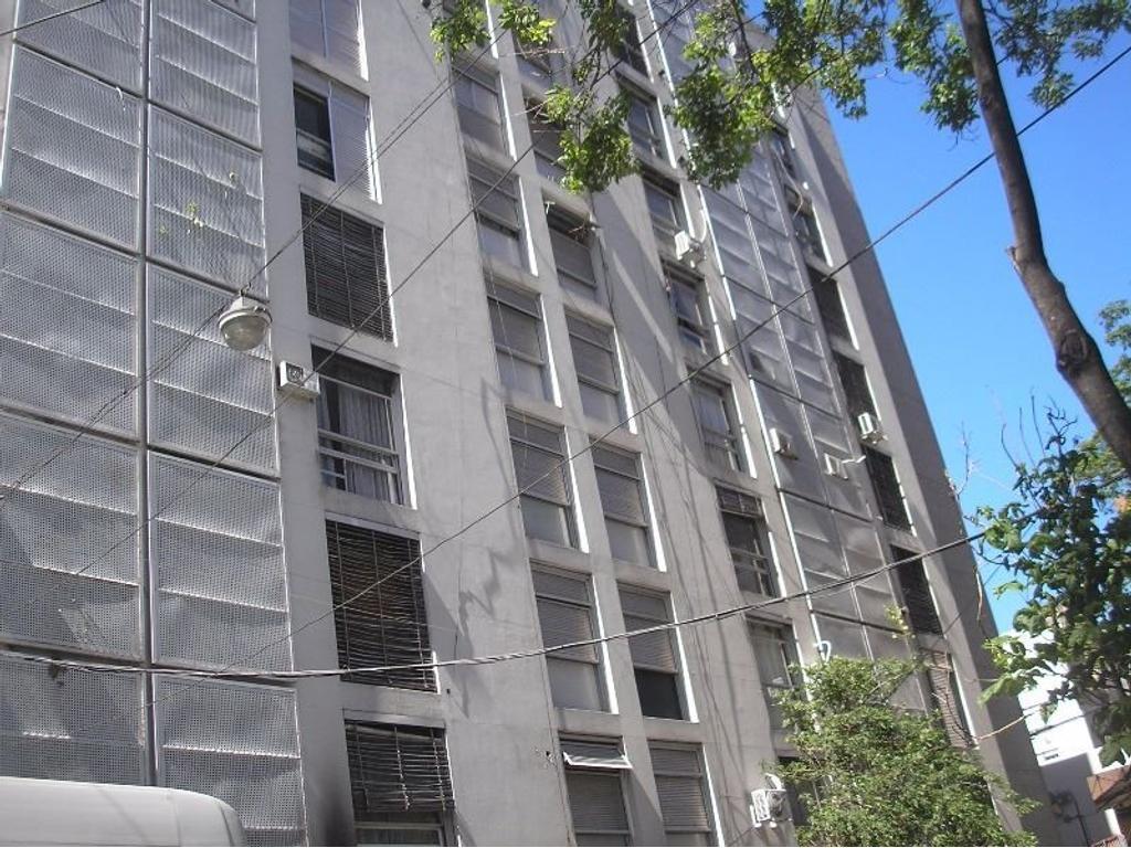 Departamento 1 dormitorio a la venta en Rosario. Rioja 1400. Buen estado.